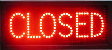 closed-neon-sign